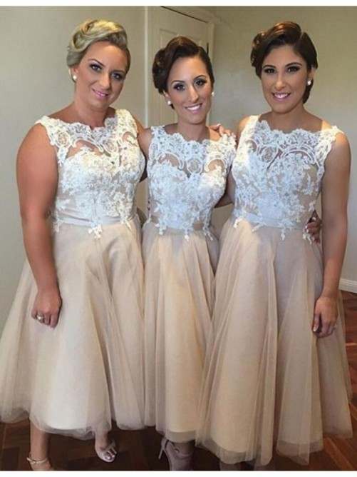 A-Line Sweetheart Applique Tulle Knee-Length Bridesmaid Dress