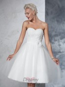 A-line Sweetheart Net Knee-Length Hand-made Flower Wedding Dress