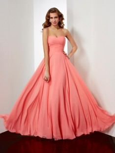 A-line/Princess Floor-Length Sweetheart Pleating Chiffon Dress