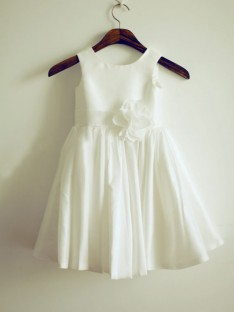 A-line/Princess Jewel Tea-length Taffeta Flower Girl Dresses with Hand-made Flower