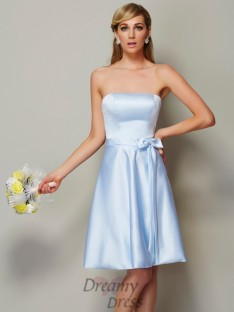 A-Line/Princess Strapless Bowknot Knee-Length Satin Bridesmaid Dress