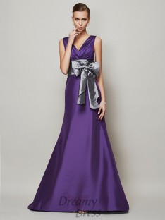 A-Line/Princess Taffeta V-neck Floor-Length Dress