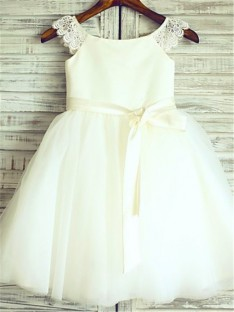 A-line Scoop Floor-Length Organza Flower Girl Dress