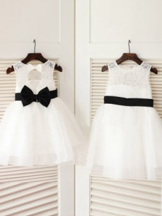 A-line Scoop Tea-length Tulle Flower Girl Dresses with Bowknot