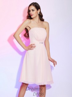 Sheath/Column Strapless Ruched Knee-Length Chiffon Bridesmaid Dress