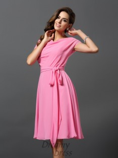 Short Sleeves Scoop Chiffon Knee-Length Bridesmaid Dress