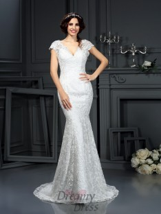 Trumpet/Mermaid Lace Court Train Wedding Dress